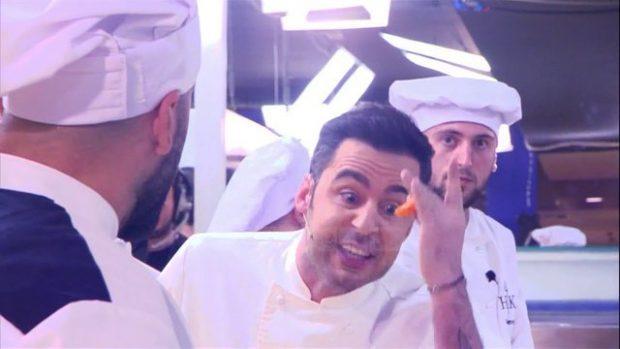 GATI PËR THYERJE PJATASH DHE TË BËRTITURA? Ja kur nis 'Hell's Kitchen' me Renato Mekollin (FOTO)
