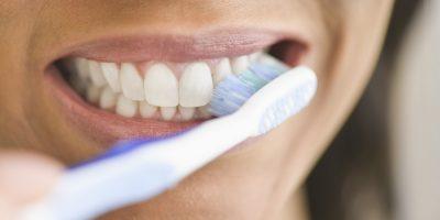 NGA VAJ TEK ÇAJ/ Mënyra për reduktimin e dhimbjes së mishit të dhëmbëve