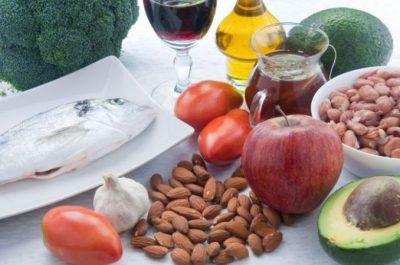 NGA ARRAT TEK FASULET/ Këto janë ushqimet që mposhtin kolesterolin