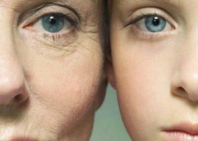 """KUJDES GJATË VERËS/ Ja gabimet që ju bëjnë të dukeni  """"të vjetra"""" në moshë"""