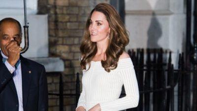 E KOMBINUAR ME MBRETËRESHËN/ Kate Middleton na magjepsi me pamjen e saj në daljen e fundit