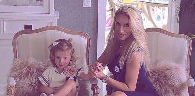LEDINA HAP RRUGËN/ Vajza e këngëtares qenka një talent si e ëma (VIDEO)