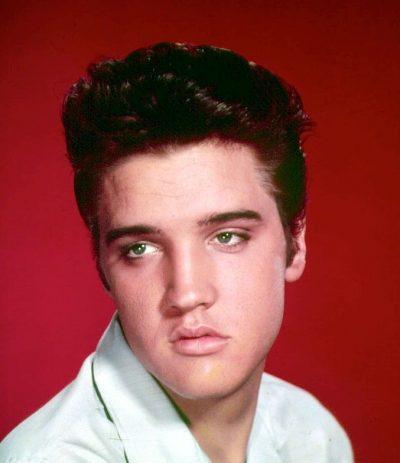 DUKEN SI DY PIKA UJI/ Ngjashmëria befasuese mes Elvis Presley-t dhe nipit të tij!!!!! (FOTO)