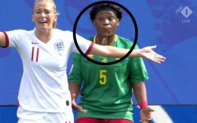 GJESTI I SHËMTUAR NDODH ME FEMRAT/ Lojtarja e Kamerunit pështyn anglezen (VIDEO)