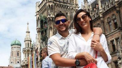 PAS NJË PERIUDHE TË NGARKUAR PUNE/ Ermali dhe Ami shkojnë në koncertin e grupit me famë botërore (FOTO+VIDEO)