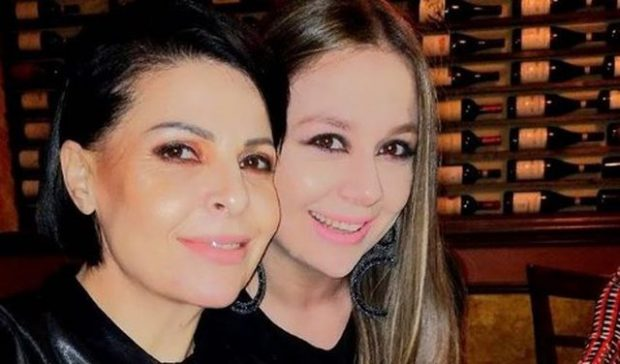I BËN URIM TË VEÇANTË MOTRËS/ Aurela Gaçe: Do merrja legenat e tenxheret për të festuar (FOTO)