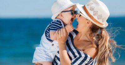 PRINDËR KUJDES/ Fëmijët nuk i tolerojnë lehtë dëmet e diellit