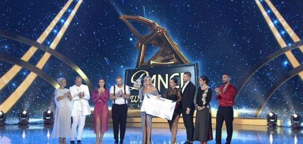 """""""DANCE WITH ME"""" NË PRAG TË NISJES/ Pas Çiljetës një tjetër konkurrente largohet nga emisioni"""