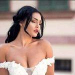 ZHVISHET NË PLAZH/ Provokon aktorja shqiptare me pozat e fundit (FOTO)