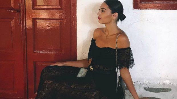 TRENDET E KËTIJ VITI/ Ja fustanet që nuk duhet të mungojnë në garderobën tuaj (FOTO)