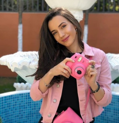 """HOROSKOPI DHE VIPAT/ Fatma Methasani një """"AKREP"""" që e tërheq dashurinë si """"magnet""""  (FOTO)"""