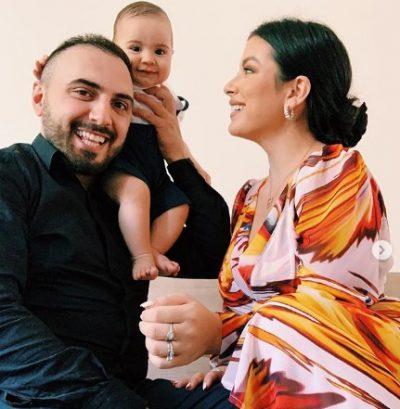 PORTRETI I ËMBËL FAMILJAR/ Gjiko dhe Elita urojnë fansat e tyre për festën e Kurban Bajramit