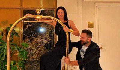 BASHKË NË IBIZA/ Bleona del topless dhe Alban Ramosaj lakuriq (FOTO)