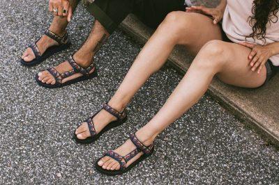 TRENDY I MOMENTIT/ Këto sandale janë më popullore në botë  (FOTO)