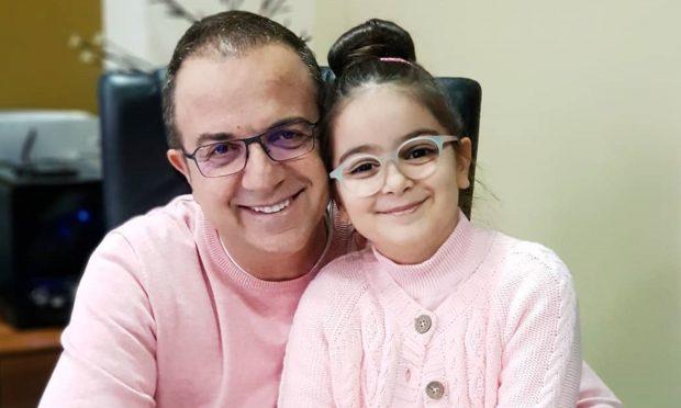 NUK DUHET TA HUMBISNI/ Ardit Gjebrea poston videon e vajzës së tij të talentuar dhe ju do të habiteni nga…