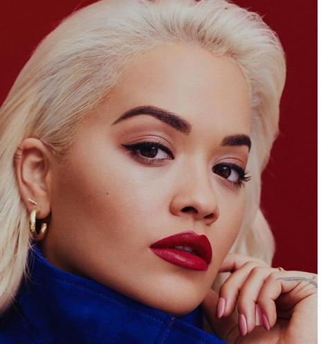 E THJESHTË DHE SEKSI/ Rita Ora unike, ka aftësinë të jetë të dyja  (FOTO)