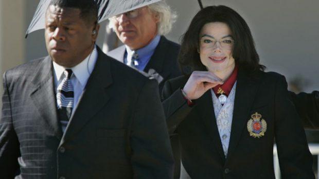"""""""NUK DONTE TA PYESNIN PËR JETËN SEKSUALE""""/ Miku i Michael Jackson nxjerr të VËRTETAT mbi akuzat për abuzimet (E PLOTË)"""