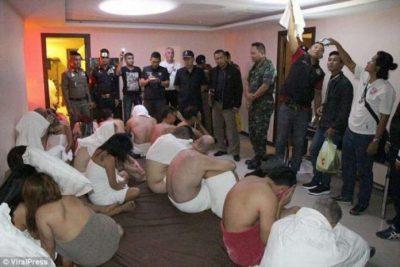 SKANDAL/ Dhjetra persona duke bërë orgji në hotel, policia publikon pamjet (VIDEO)