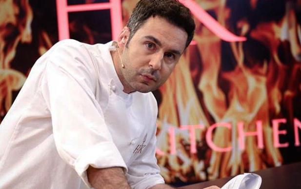 """""""MË DETYRUAN, KY ËSHTË KULMI""""/  Renato Mekolli """"acarohet"""" me ndryshimet në """"Hell's Kitchen"""""""