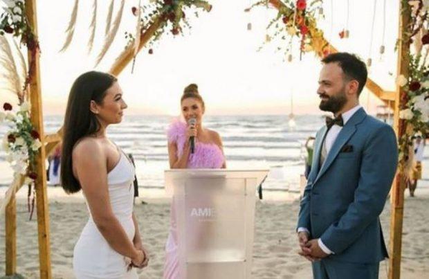 """""""UNË S'JAM GJYSMA E SAJ…""""/ Mikesha e saj desh ia prishi dasmën Jonida Vokshit (FOTO)"""