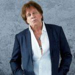 NDAHET NGA JETA/ Këngëtari i njohur me famë botërore vuante nga kanceri i ezofagut