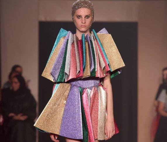 """SFILATA E """"DIOR"""" NË DUBAI/ Ja 15 veshje fantastike që u prezantuan"""