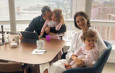 MËNGJESI NË APARTAMENTIN LUKSOZ/ Emina Cunmulaj publikon portretin e ëmbël familjar (FOTO)