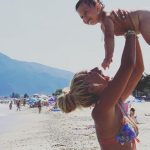 FESTOI 1 VJETORIN/ Adelina Tahiri sapo postoi VIDEON më të ëmbël me djalin e saj