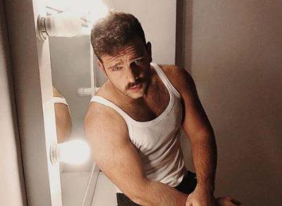 """NUK E PRISNIM/ Përveç se këngëtar, Alban Ramosaj paraqitet në një tjetër mënyrë në """"HOLLYWOOD"""""""