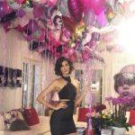 FESTOI 35 VJETORIN/ Emina i bën të shoqit dedikimin e veçantë: Faleminderit që më bën të ndihem speciale