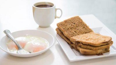 STUDIMI/ Ushtrimi fizik para se të hamë mëngjes djeg më shumë kalori