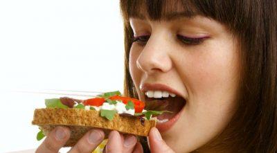 7 GJËRA QË DUHET TË DISH/ Çfarë të ndodh kur eliminon bukën nga dieta e përditshme?