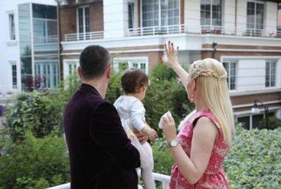 HISTORIA E VEÇANTË E DASHURISË/ Moderatorja shqiptare tregon: Burri nuk më njihte kush isha