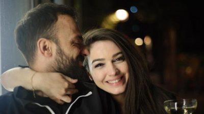 """""""TI ME SHOQE, UNË ME SHOKË""""/ Pas dasmës, Besnik Krapi tregon si është martesa me Jonidën"""