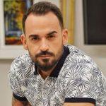 ISHTE NË SHFAQJE/ Florian Agalliu pëson incident në mes të skenës