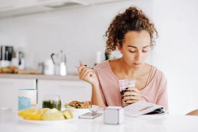 JINI TË VËMENDSHËM/ Sekreti për të humbur peshë qëndron tek ato që konsumoni në mëngjes