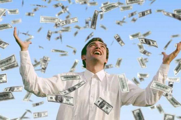 MUND T'JU DUHEN KËTO IDE/ Gjëja e parë që bënë njerëzit kur fituan lotarinë