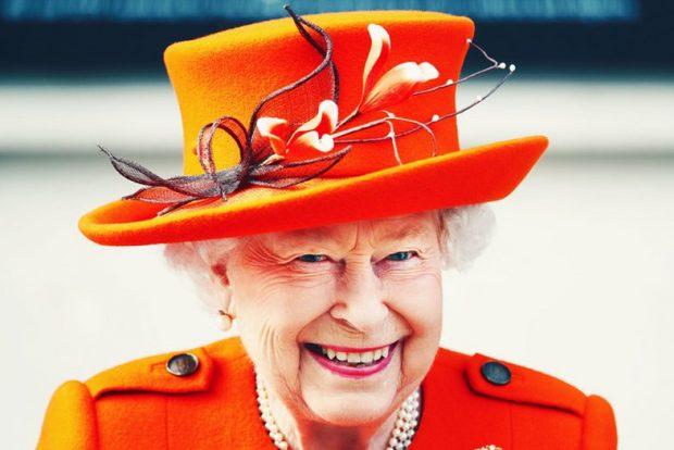 NUK E PRISTE ASKUSH/ Mbretëresha bën të papriturën dhe ne nuk dimë ç'të mendojmë (FOTO)