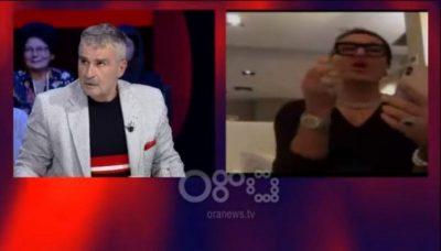 DEPUTETI I PRANON…/ Elton Ilirjani puth Kujtim Gjuzin live: Jam gjithë kjo pjeshkë… (VIDEO)