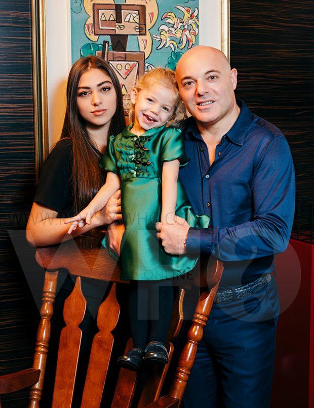 NË DITËLINDJEN E KATËRT/ Blendi Fevziu organizoi një super festë për të voglën e tij Alis (FOTO)
