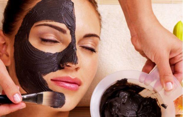 DO T'JU DUHET/ Ja si ta realizoni maskën për heqjen e pikave të zeza në shtëpi vetëm me dy përbërës