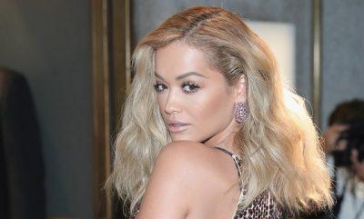 DËGJOI NJË VAJZË DUKE KËNDUAR NË RRUGË/ Rita Ora bën për të gjestin që nuk e prisnim
