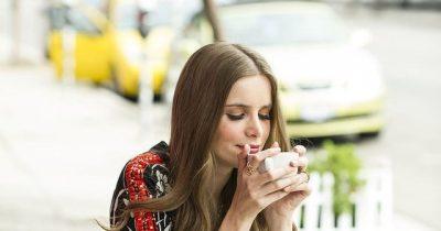 DUHET TA DINI/ 3 arsye të forta pse çaji po kthehet në kafen e re