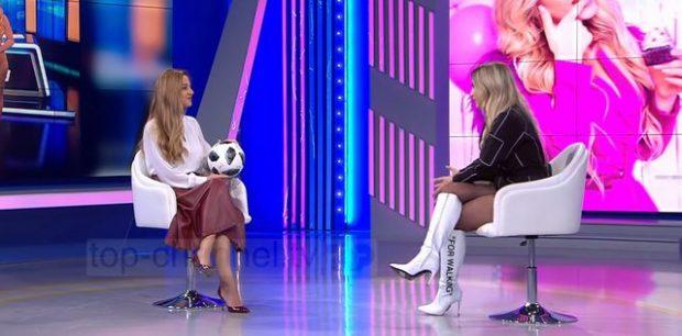 """""""KA QENË EMISIONI I PARË""""/ Moderatorja shqiptare ngatërron emrin e të ftuarit në mes të emisionit (FOTO+VIDEO)"""