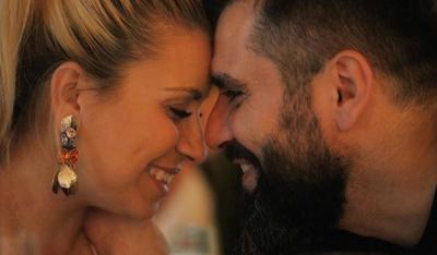 DO TË QESHNI SHUMË/ Julka tregon ç'i punon të shoqit ende pa u zgjuar mirë (VIDEO)