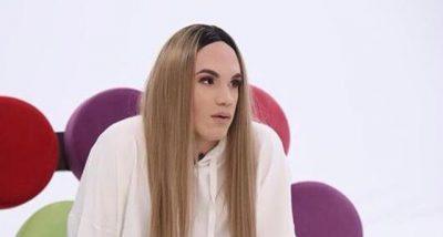 """""""MË VIJNË KËRKESA NGA BURRA ME KOLLARE""""/ Transgjinorja shqiptare tregon historinë e jetës"""