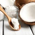 MËSOJENI TANI/ Pse vaji i kokosit është zgjidhja e çdo problemi me flokët?