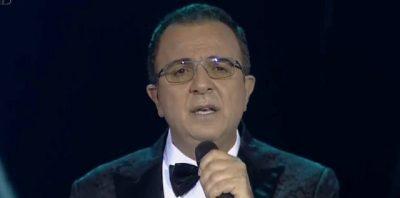 """""""NA DIMËRUAT ZEMRËN""""/ Fansat i kërkojnë Arditit t'iu rikthejë këngën e tyre të preferuar"""