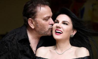 MOMENT I VEÇANTË/ Vera Grabocka dhe Timo Flloko dhurojnë një puthje në buzë publikisht