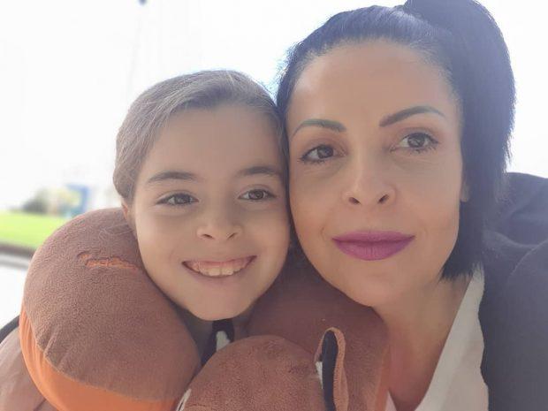 """""""HIRI I PERËNDISË""""/ E bija feston ditëlindjen, Aurela Gaçe i bën dedikimin emocionues (FOTO)"""